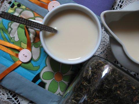 зелен чай с жасмин, мляко и мед