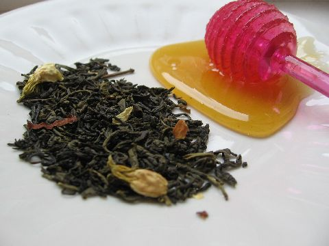 зелен чай с мляко, мед и ванилия