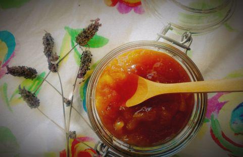 Сладко от нектарини с лавандула и ванилия