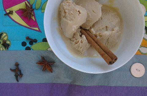 Домашен сладолед с вкус на хималайски чай